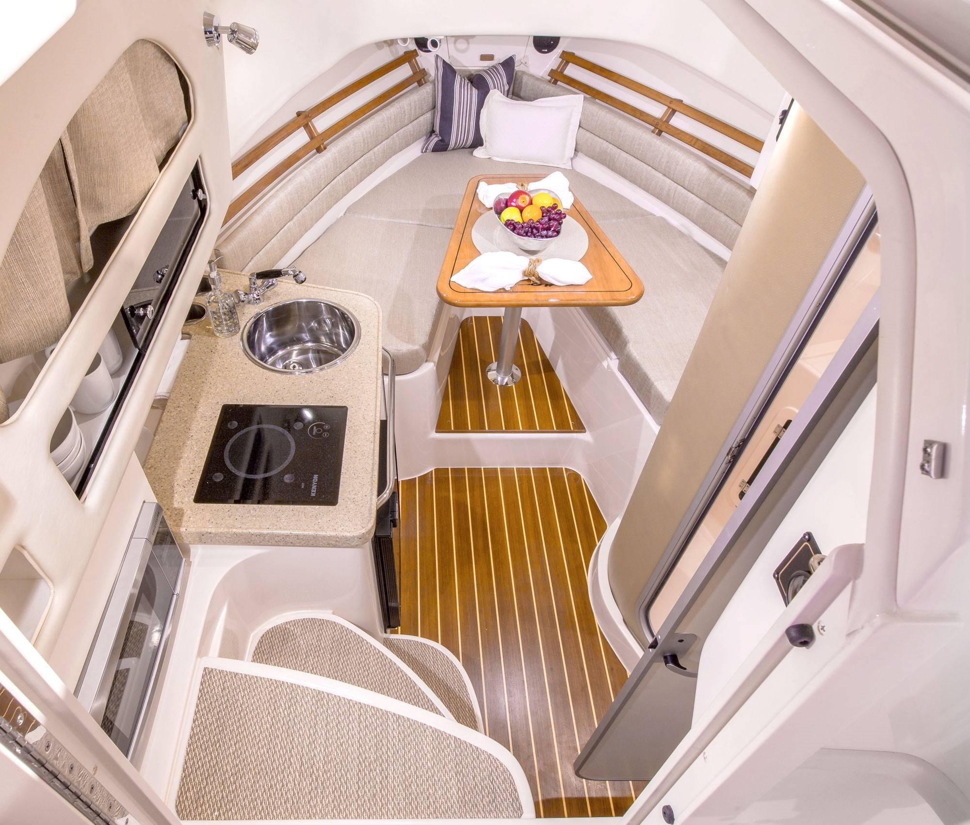 2021 Grady-White                                                              Marlin 300 Image Thumbnail #3