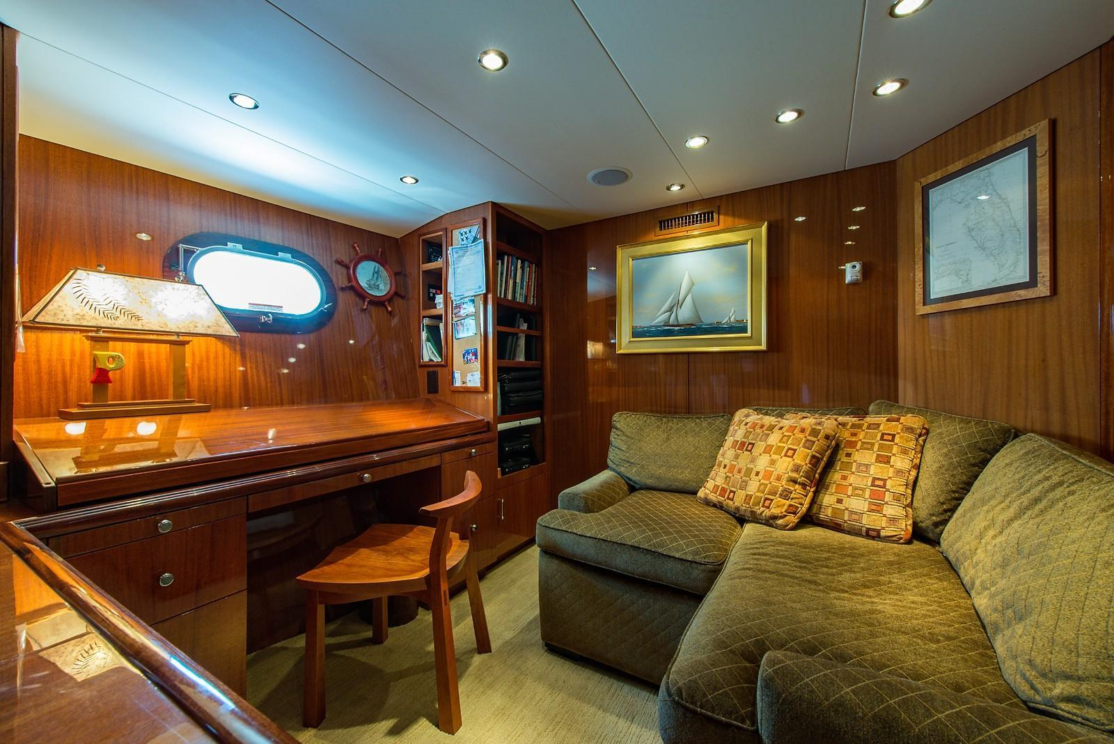 2008 Hatteras 72 Motor Yacht Image Thumbnail #30