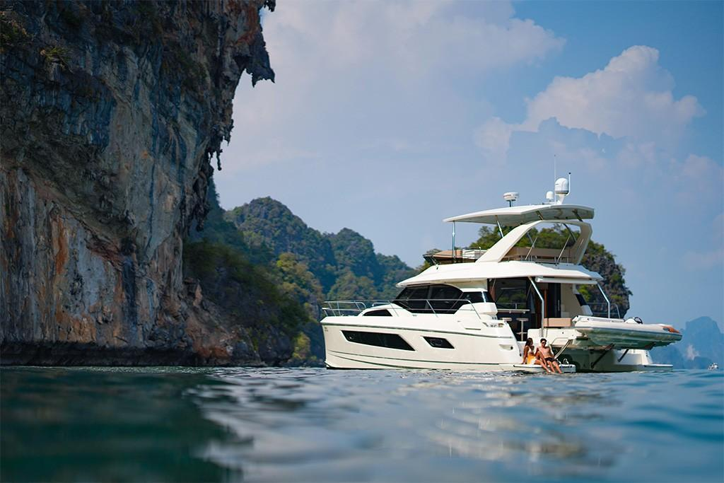 2021 Aquila 44 Contact Your Local Marinemax Store About Availability