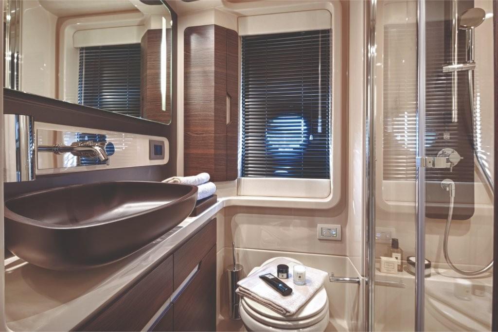 2020 Azimut 50 Flybridge Image Thumbnail #25