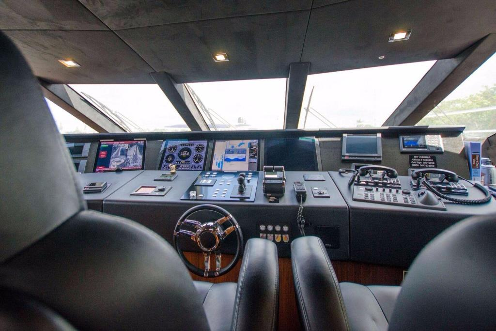 2015 Sunseeker 115 Sport Yacht Image Thumbnail #10