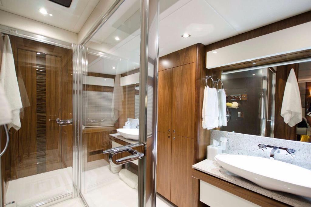 2015 Sunseeker 115 Sport Yacht Image Thumbnail #29
