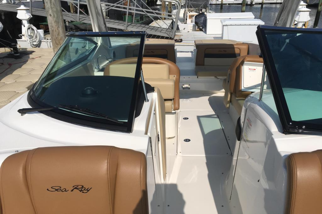 2014 Sea Ray                                                              300 SLX Image Thumbnail #16