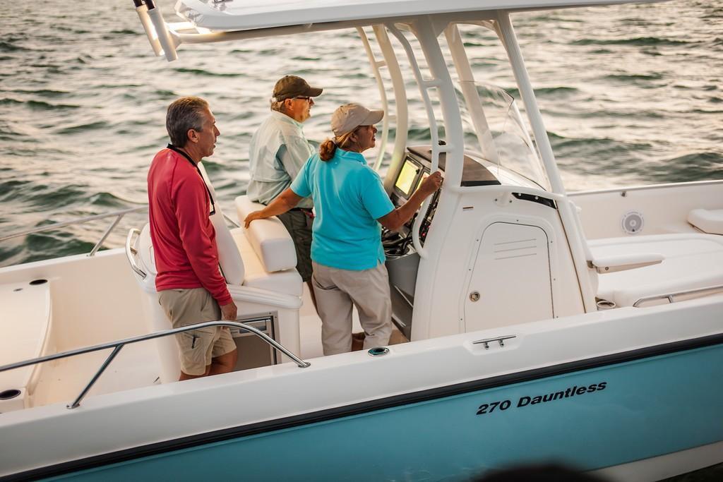 2020 Boston Whaler 270 Dauntless Image Thumbnail #2