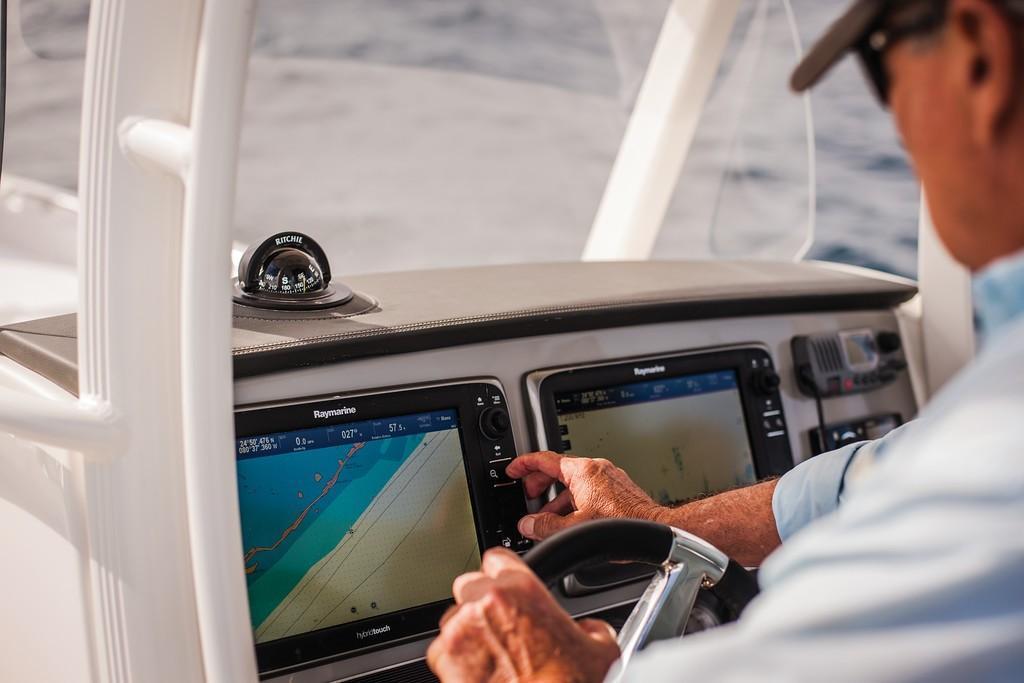 2020 Boston Whaler 270 Dauntless Image Thumbnail #44