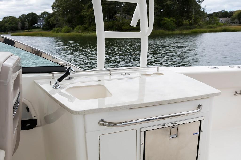 2021 Boston Whaler                                                              270 Vantage Image Thumbnail #12
