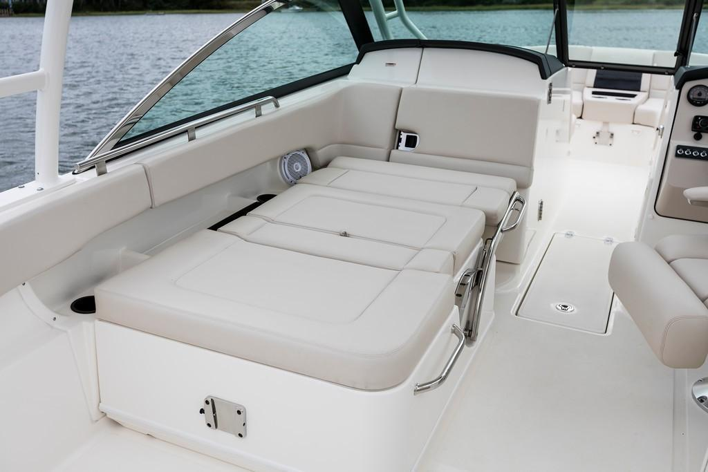 2021 Boston Whaler                                                              270 Vantage Image Thumbnail #15