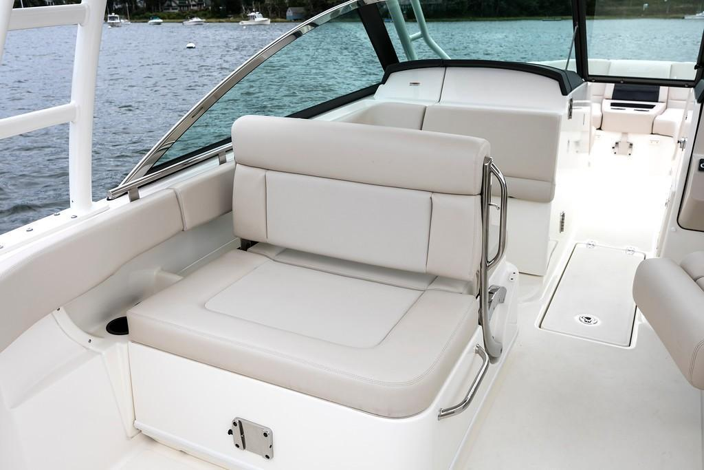 2021 Boston Whaler                                                              270 Vantage Image Thumbnail #17