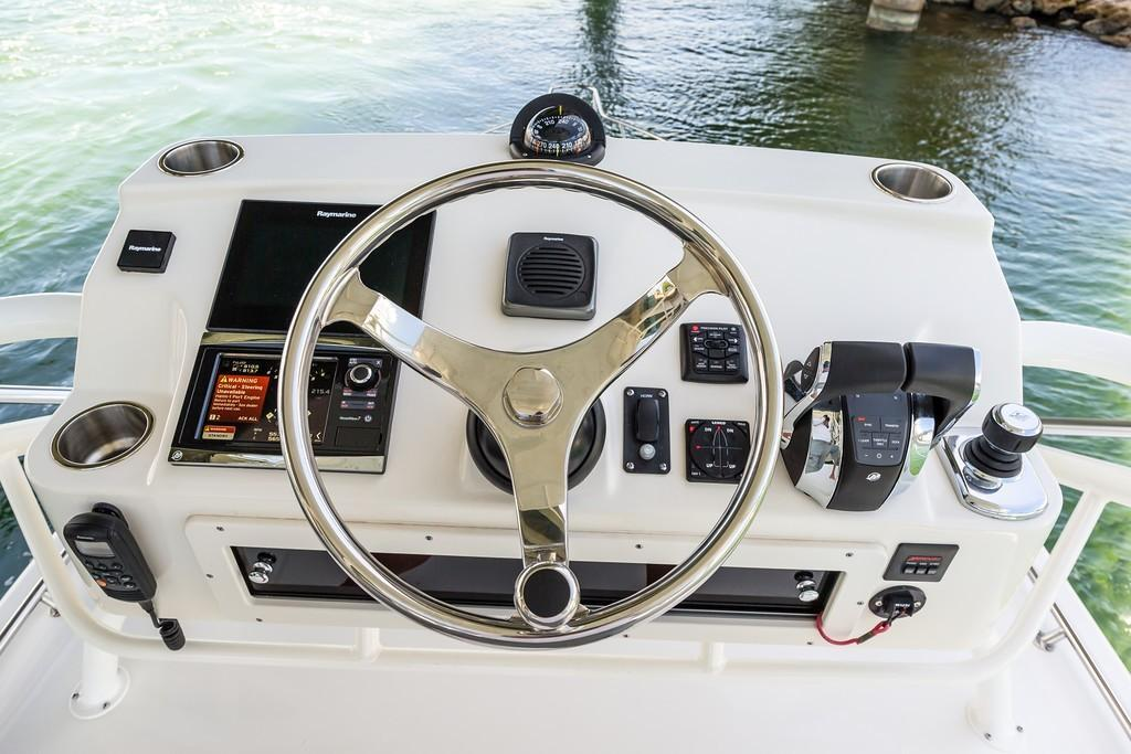 2019 Boston Whaler 345 Conquest Image Thumbnail #5