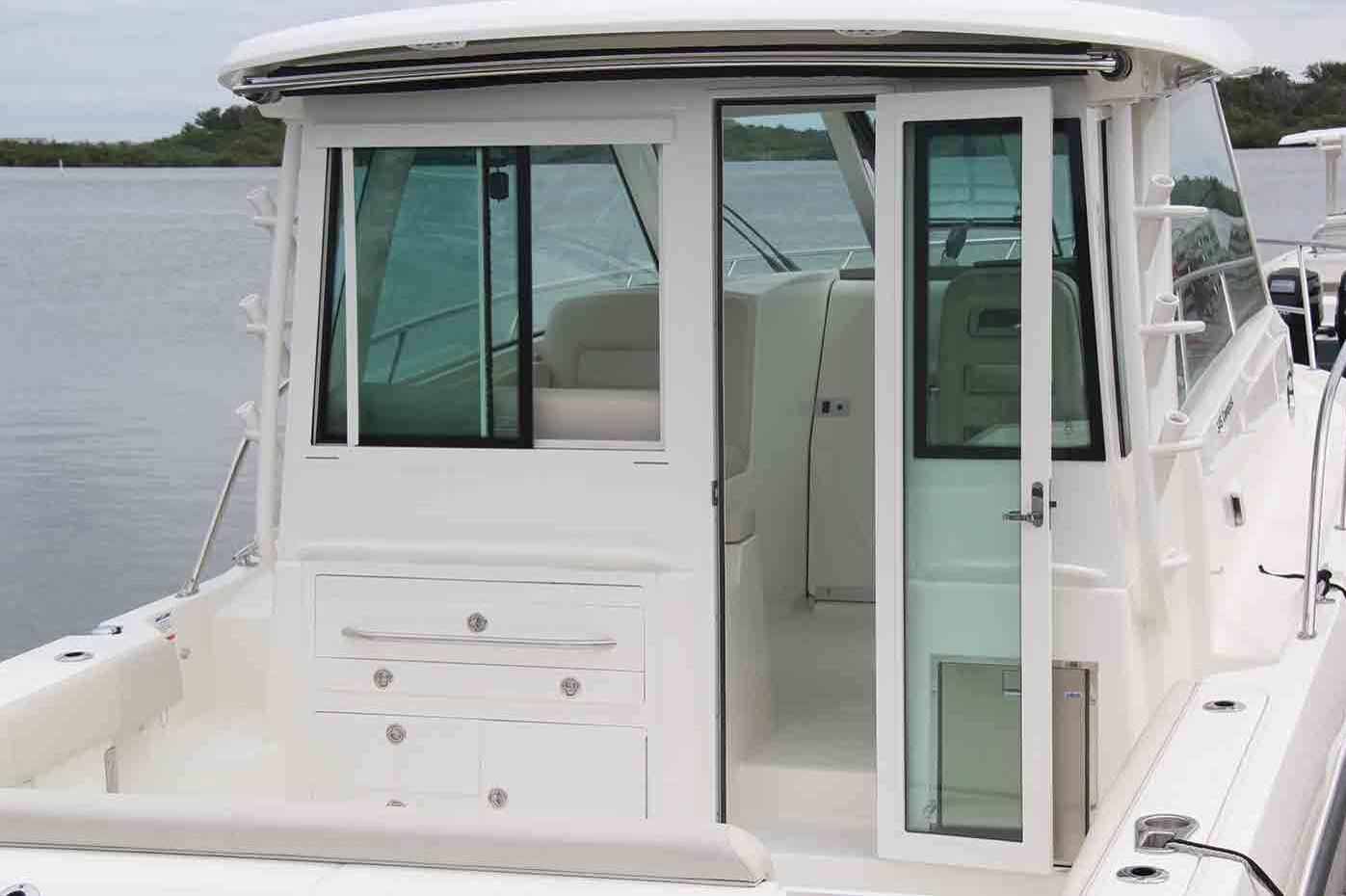 2020 Boston Whaler 345 Conquest Pilothouse Image Thumbnail #4