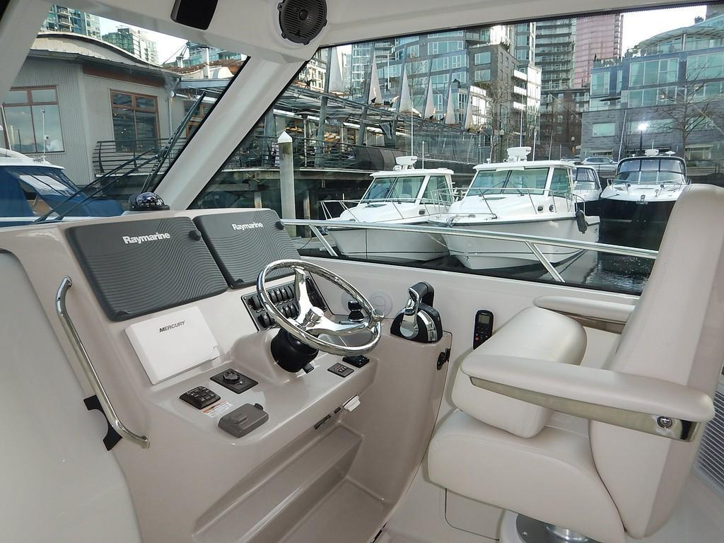 2020 Boston Whaler 345 Conquest Pilothouse Image Thumbnail #6