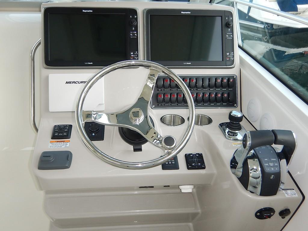 2020 Boston Whaler 345 Conquest Pilothouse Image Thumbnail #8