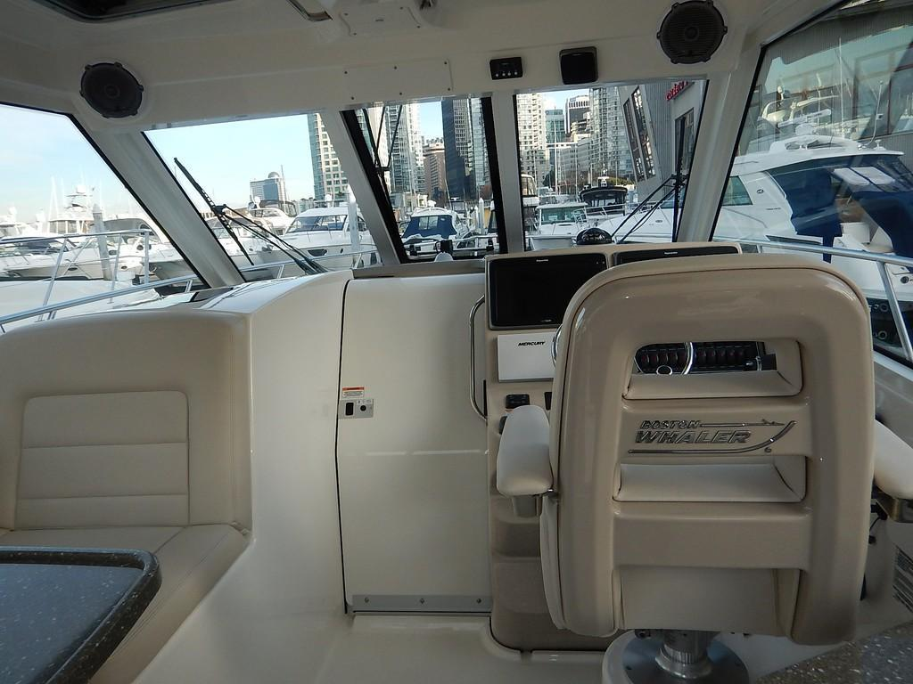 2020 Boston Whaler 345 Conquest Pilothouse Image Thumbnail #9