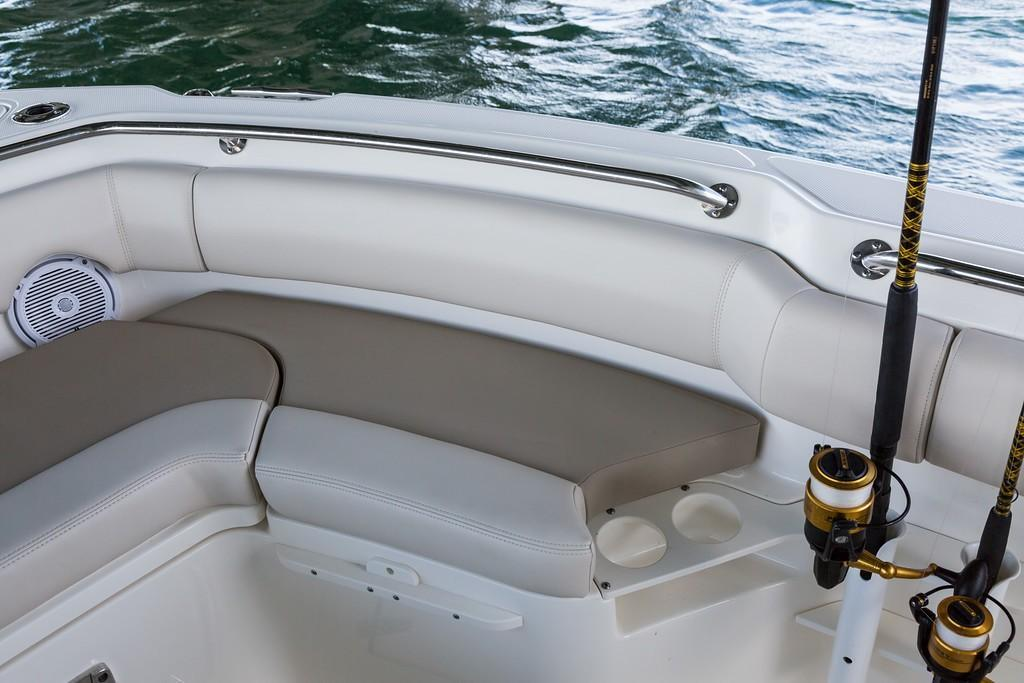 Photo 19 for 2020 Boston Whaler 230 Outrage