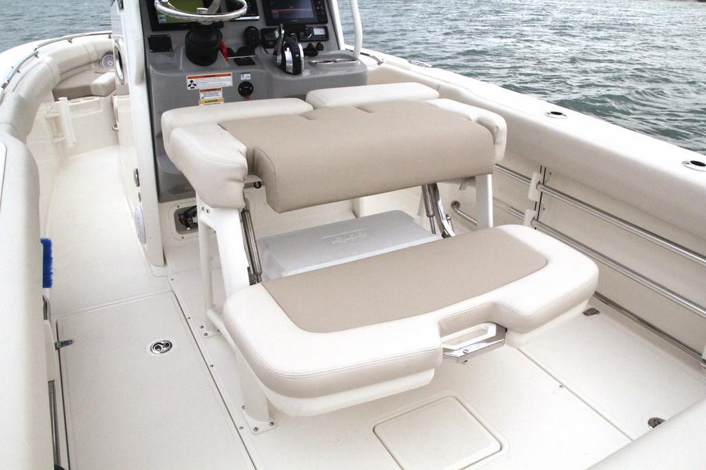 Photo 34 for 2020 Boston Whaler 230 Outrage