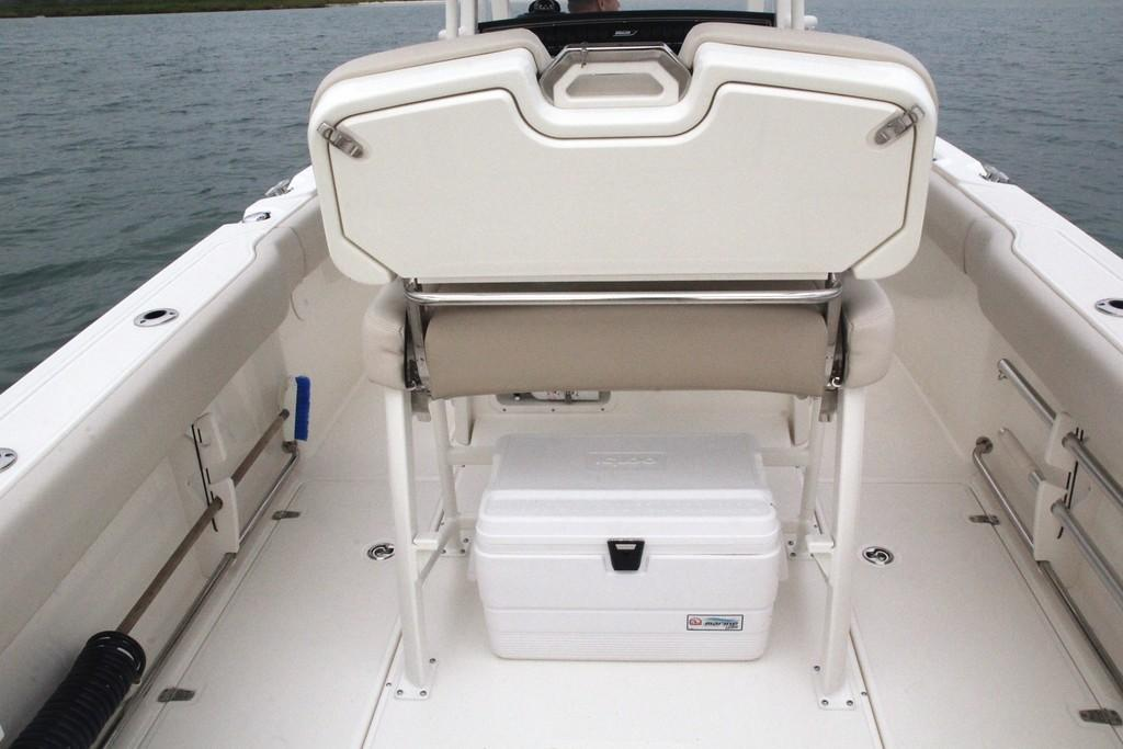 Photo 36 for 2020 Boston Whaler 230 Outrage