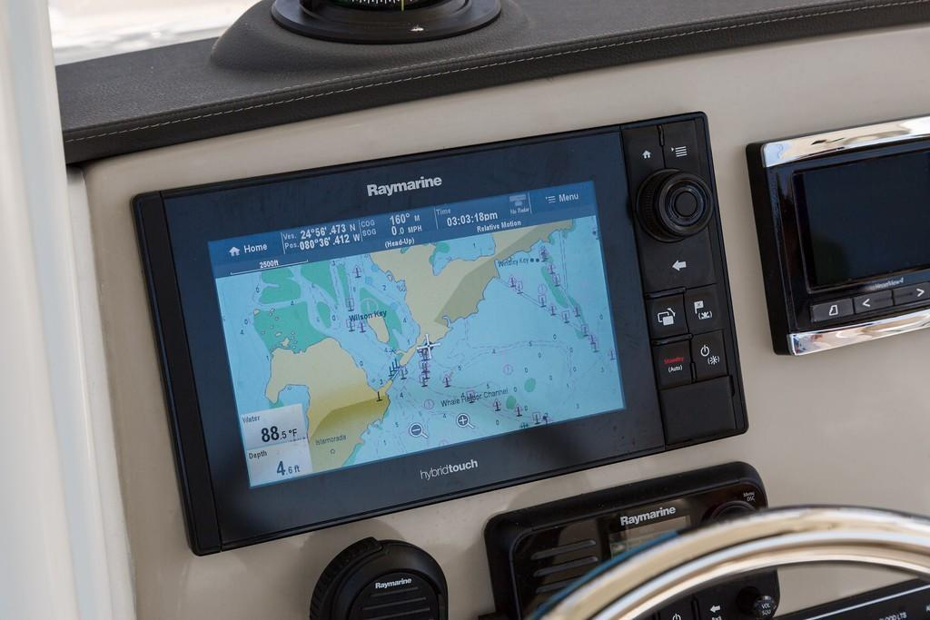 Photo 39 for 2020 Boston Whaler 230 Outrage