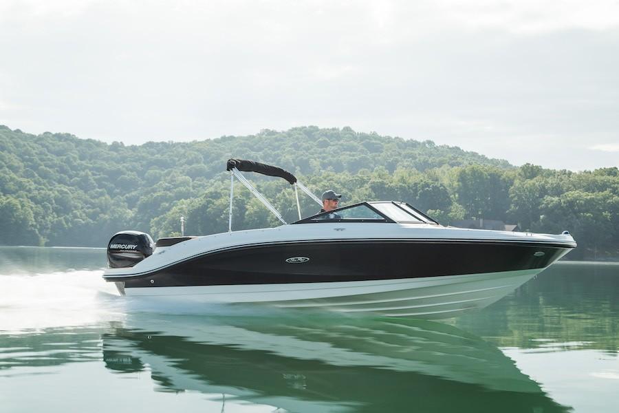 2020 Sea Ray SPX 210 OB Image Thumbnail #1