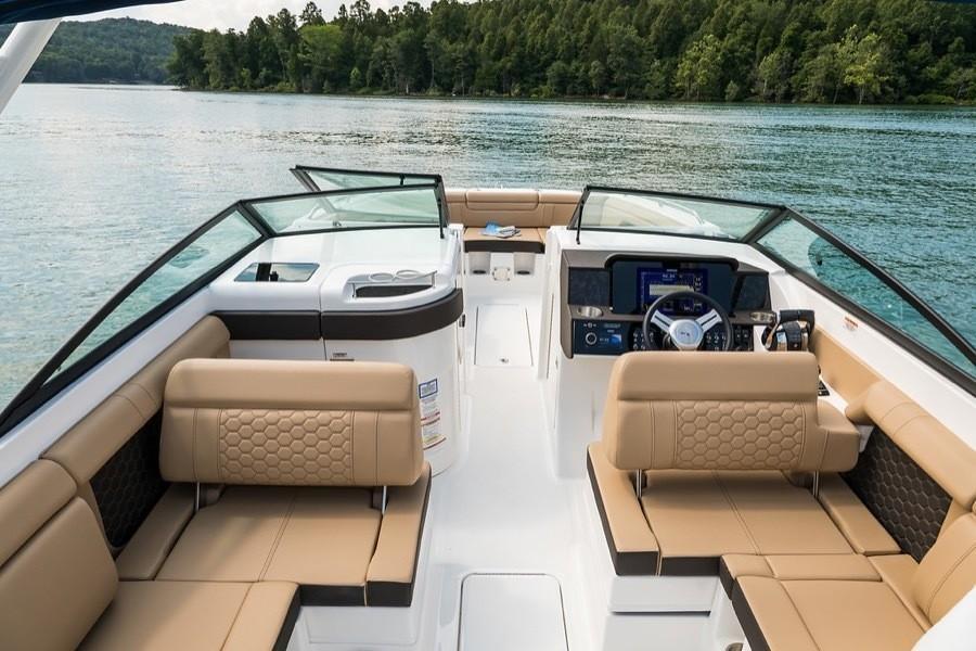 2020 Sea Ray SDX 290 Outboard Image Thumbnail #9