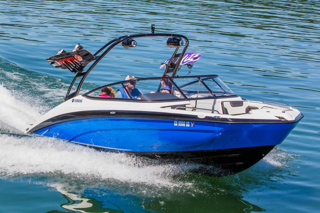 2018 yamaha boats ar210 contact your local marinemax store