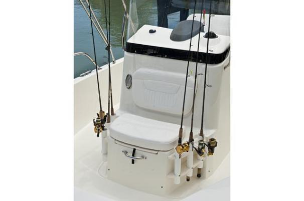 Thumbnail 3 for 2011 Boston Whaler 200 Dauntless