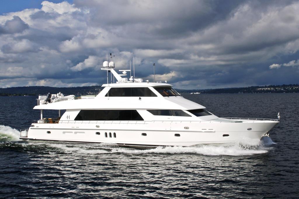 "2010 Hargrave Custom Yachts ""Sky Lounge 101"""