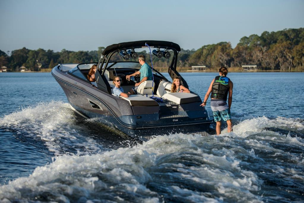 2020 Sea Ray SLX-W 230 Image Thumbnail #6