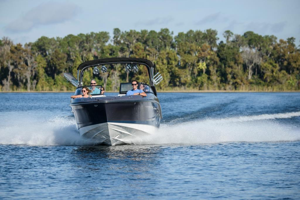 2020 Sea Ray SLX-W 230 Image Thumbnail #7