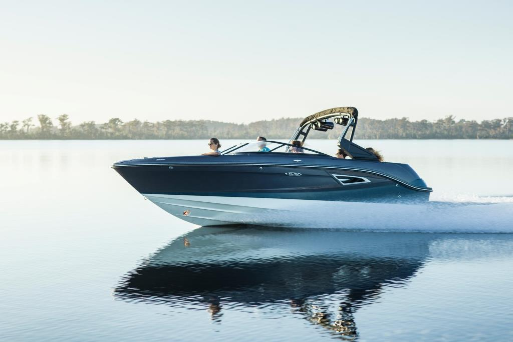 2020 Sea Ray SLX-W 230 Image Thumbnail #0