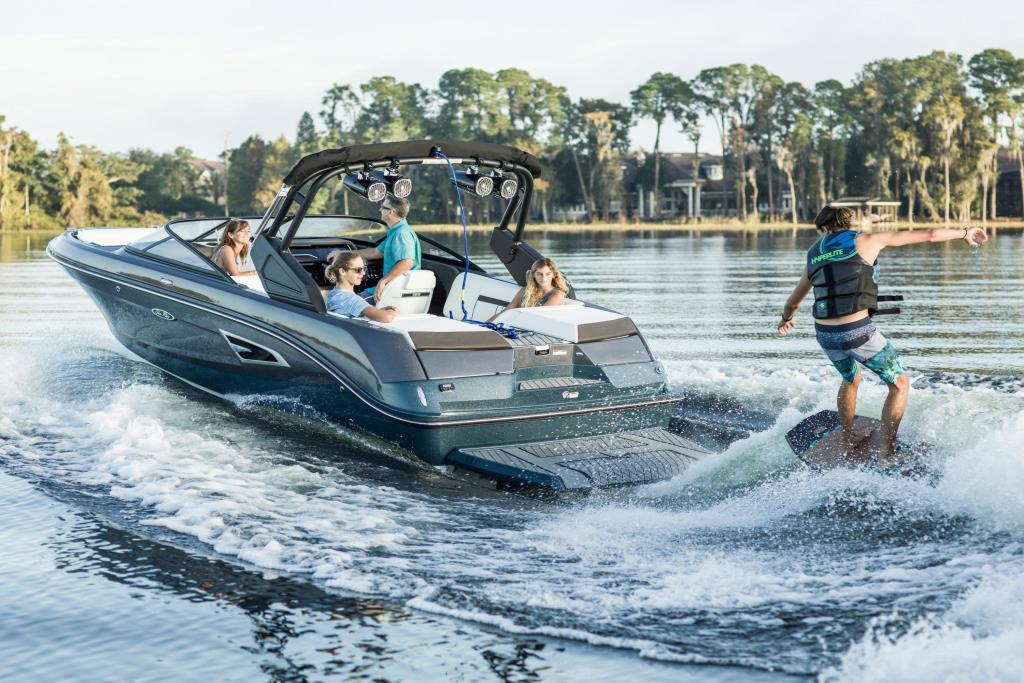 2020 Sea Ray SLX-W 230 Image Thumbnail #12