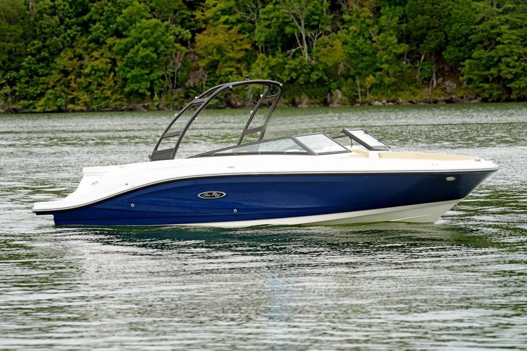 2018 Sea Ray SPX 230 Image Thumbnail #0