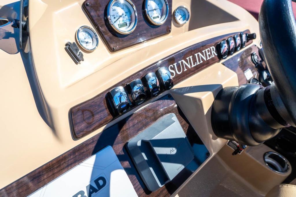 2019 Harris Sunliner 250 Image Thumbnail #12