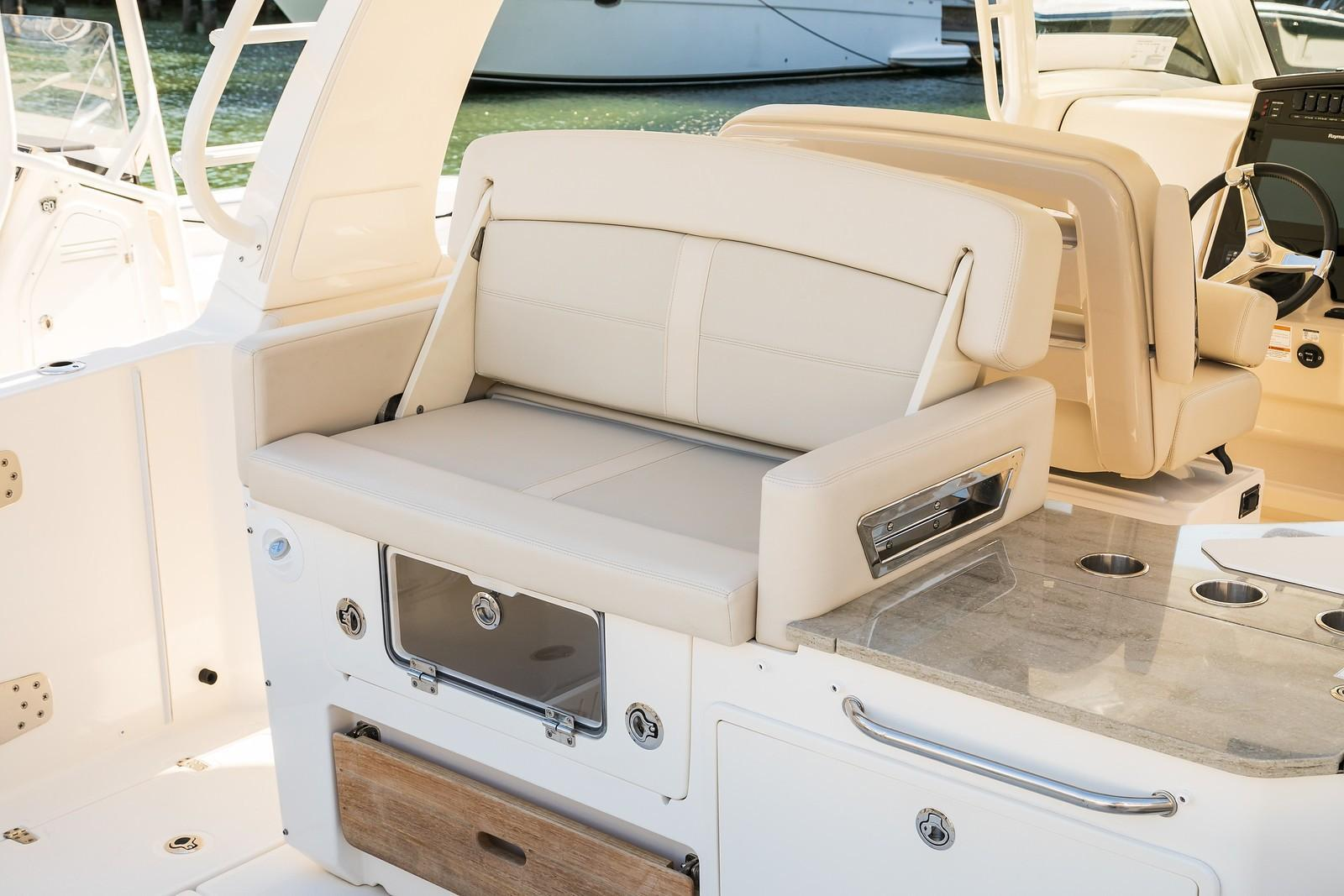 2020 Boston Whaler 350 Realm Image Thumbnail #14