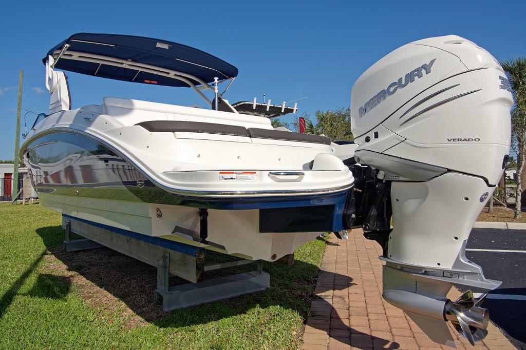2018 Sea Ray SDX 270 Outboard Image Thumbnail #3