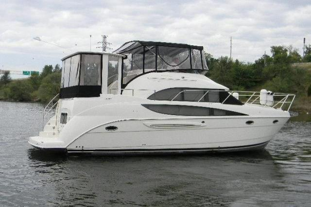 2005 Meridian 368 Motor Yacht Image Thumbnail #2