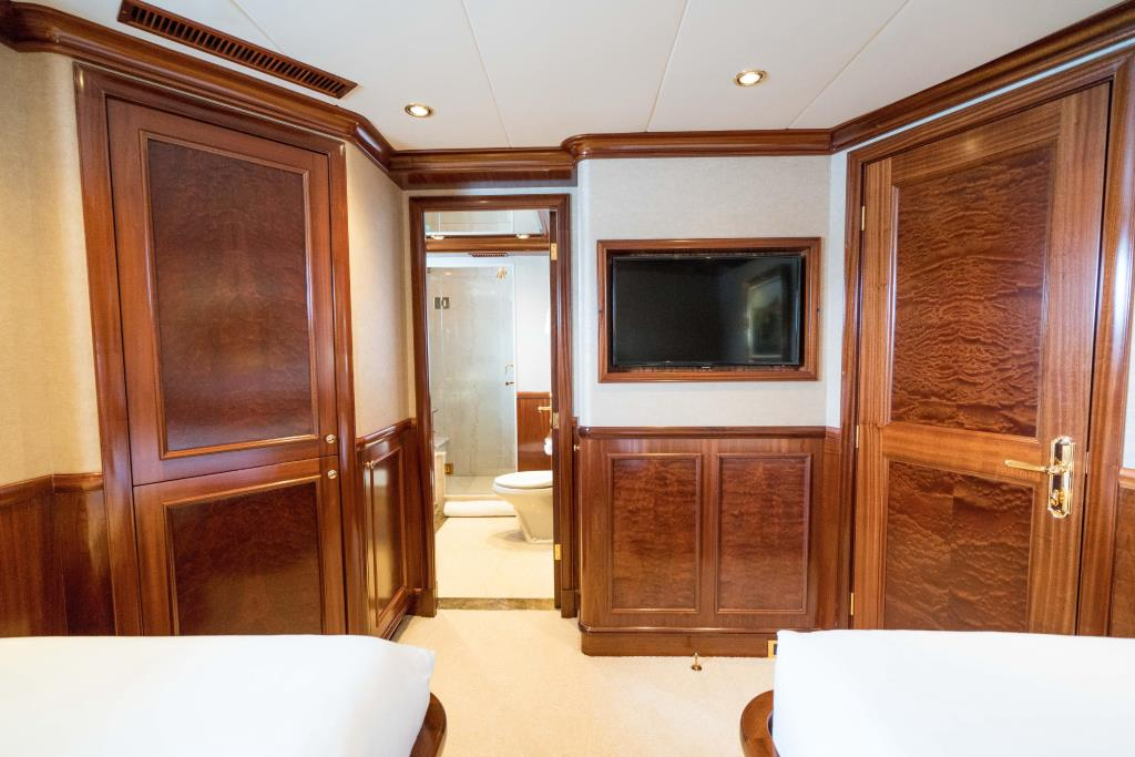 Photo 35 for 2010 Richmond Yachts Tri-Deck Motor Yacht
