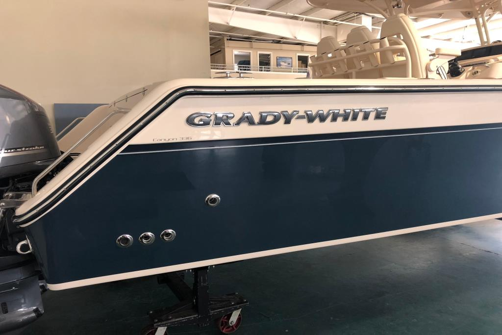 2018 Grady-White Canyon 336 Image Thumbnail #14