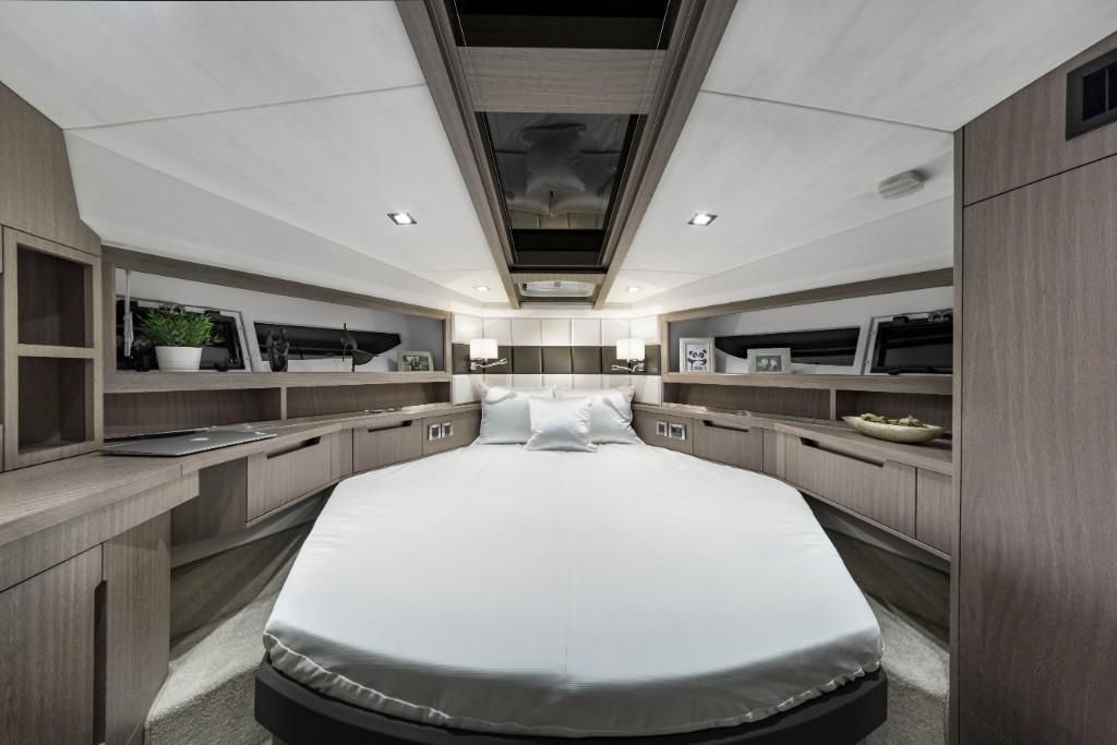 Photo 42 for 2020 Galeon 430 HTC