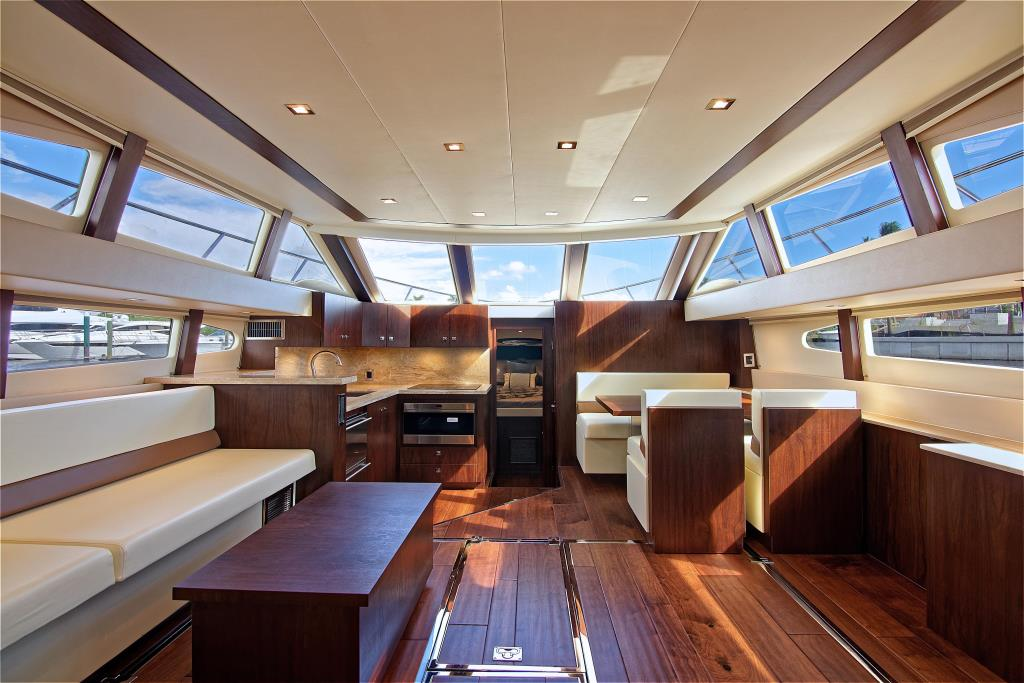 2003 Carver 444 Cockpit Motor Yacht Image Thumbnail #1