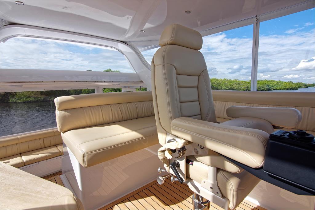 2003 Carver 444 Cockpit Motor Yacht Image Thumbnail #18