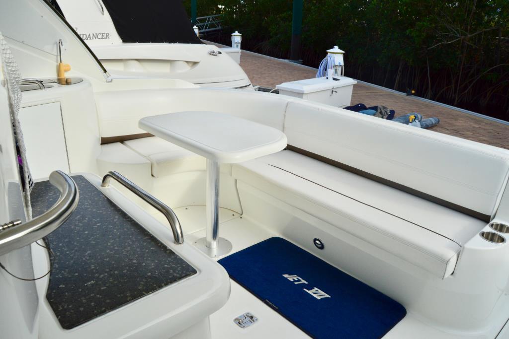 2008 Cruisers Yachts 420 Express Image Thumbnail #37