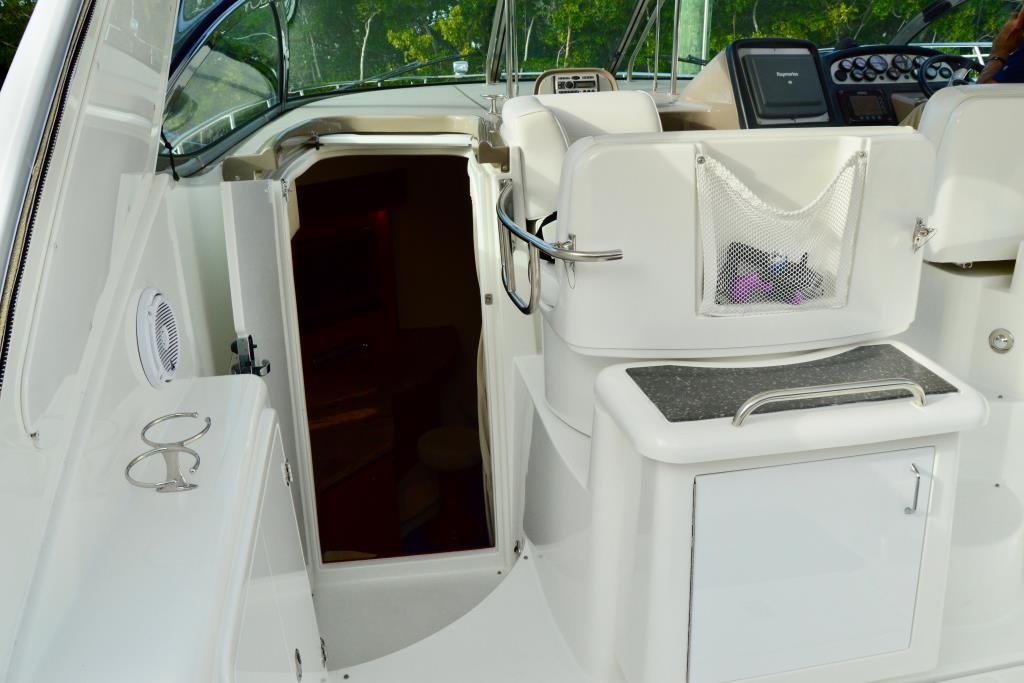 2008 Cruisers Yachts 420 Express Image Thumbnail #32
