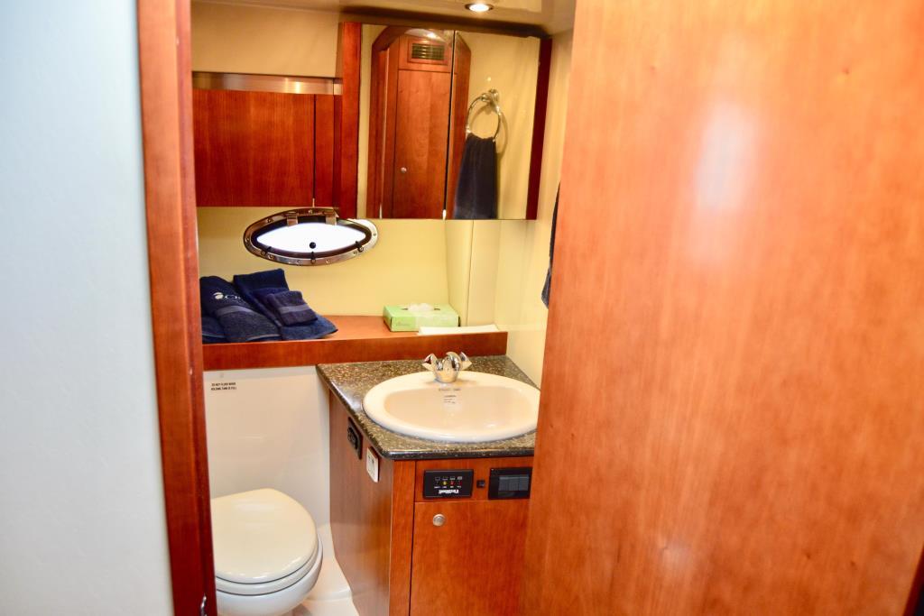 2008 Cruisers Yachts 420 Express Image Thumbnail #43