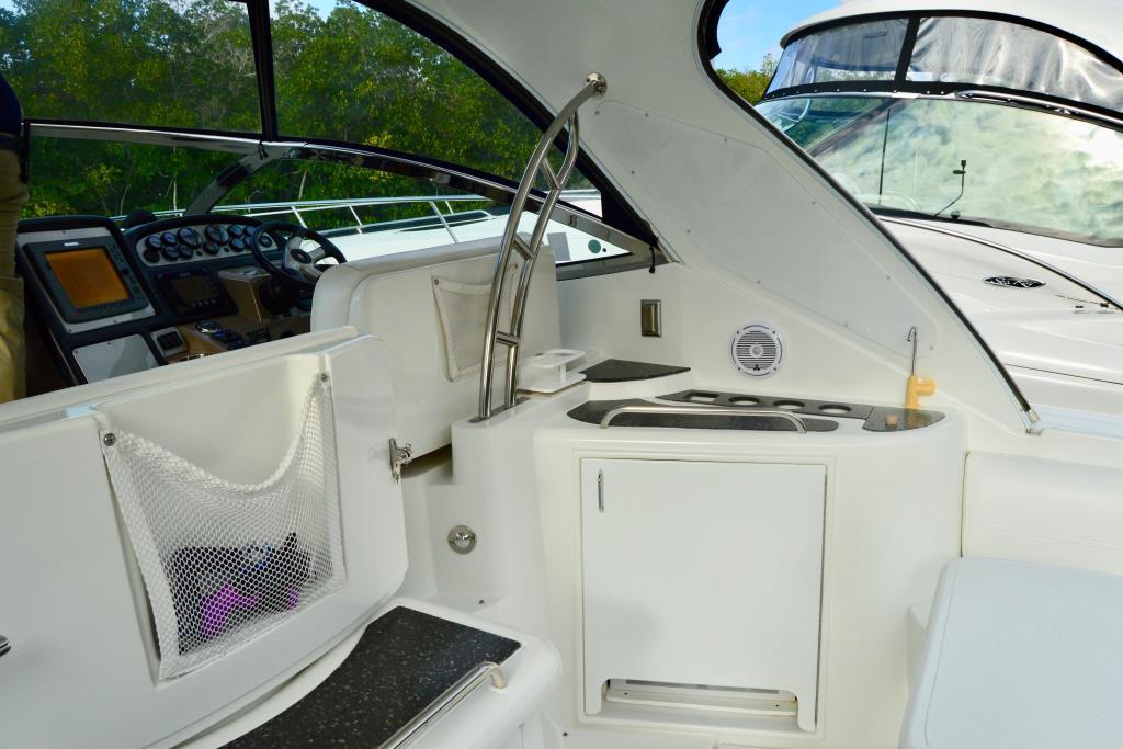 2008 Cruisers Yachts 420 Express Image Thumbnail #34