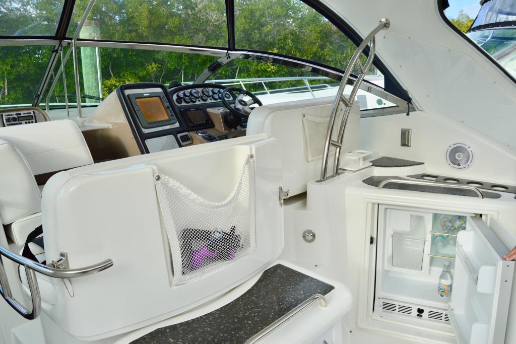 2008 Cruisers Yachts 420 Express Image Thumbnail #35