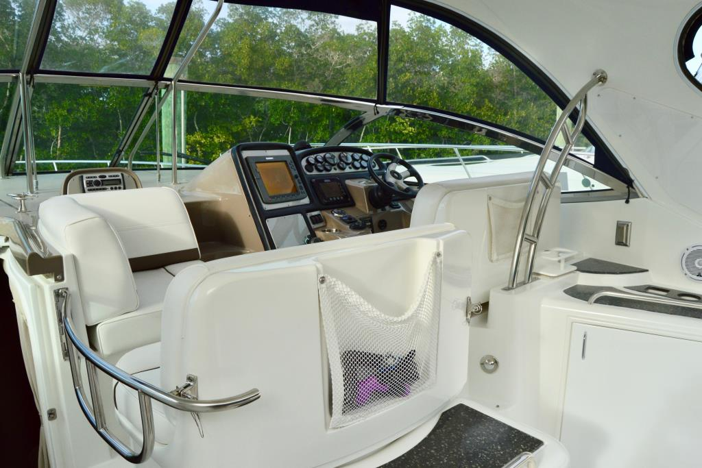 2008 Cruisers Yachts 420 Express Image Thumbnail #38