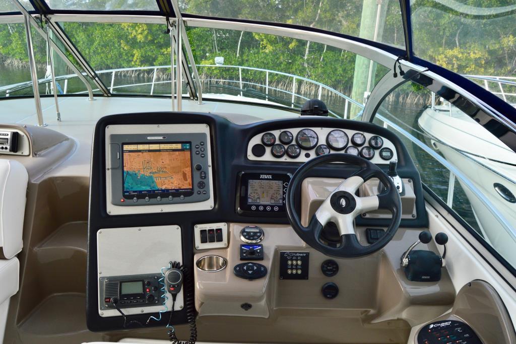 2008 Cruisers Yachts 420 Express Image Thumbnail #31