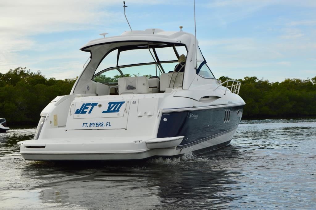 2008 Cruisers Yachts 420 Express Image Thumbnail #24
