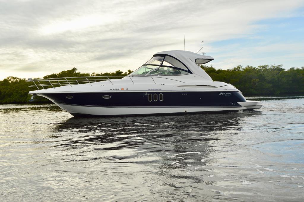 2008 Cruisers Yachts 420 Express Image Thumbnail #14