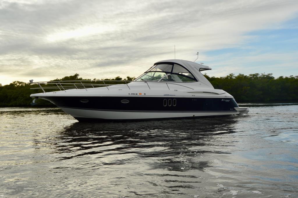 2008 Cruisers Yachts 420 Express Image Thumbnail #2